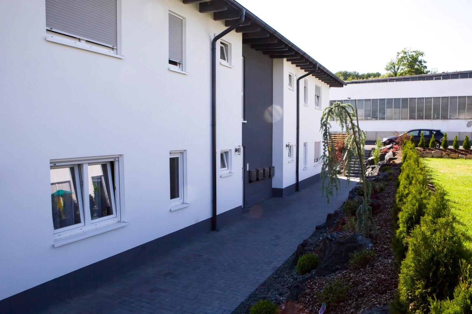 Mehrfamilienhaus-Holzhausen-7-10