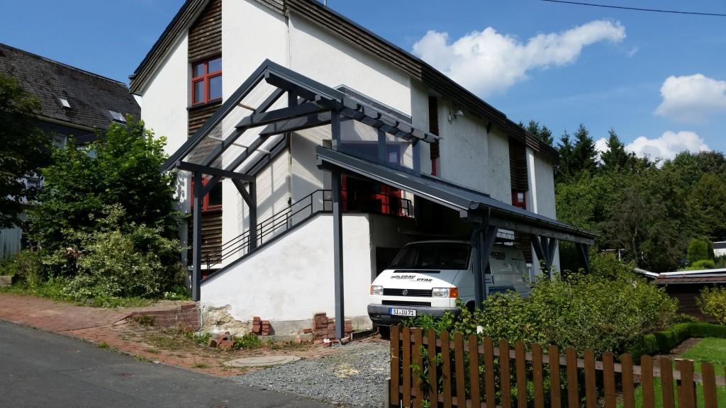 Vordach mit Unterstellplatz 1